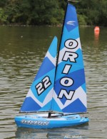 Orion RC vitorláshajó (2,4 Ghz távirányítóval)